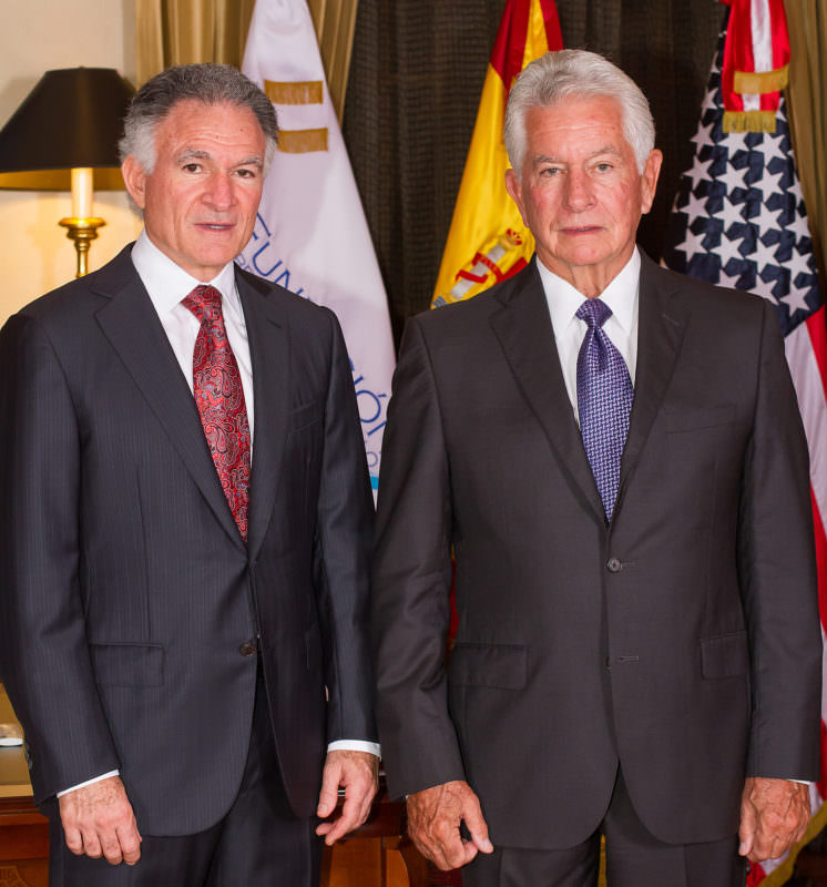 Dionisio Gutiérrez con James Milford, experto en seguridad global y exdirector adjunto de la DEA en Washington